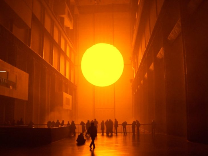 Olafur-Eliasson-The-Weather-Project-2003-Tate-Modern-London-1-880x660